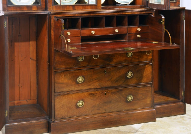 Noble Early 19th Century George III Mahogany Breakfront Secretary Bookcase For Sale 5
