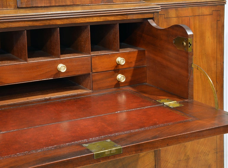 Noble Early 19th Century George III Mahogany Breakfront Secretary Bookcase For Sale 1