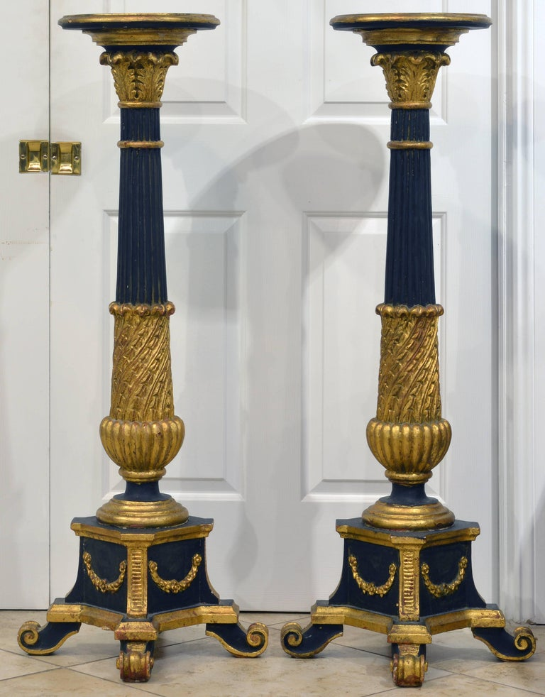 Pair of 20th Century Italian Neoclassical Style Paint and Parcel Gilt Pedestals 2