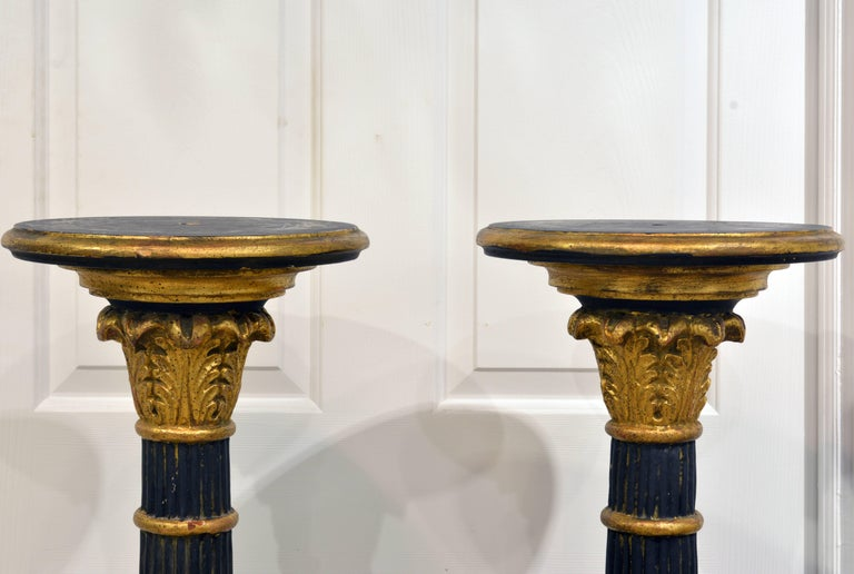 Pair of 20th Century Italian Neoclassical Style Paint and Parcel Gilt Pedestals 3