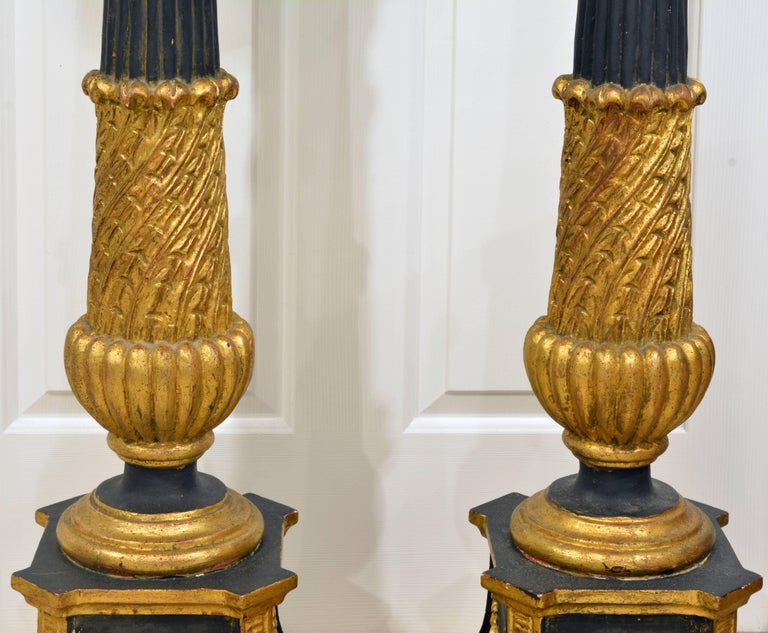 Pair of 20th Century Italian Neoclassical Style Paint and Parcel Gilt Pedestals 5