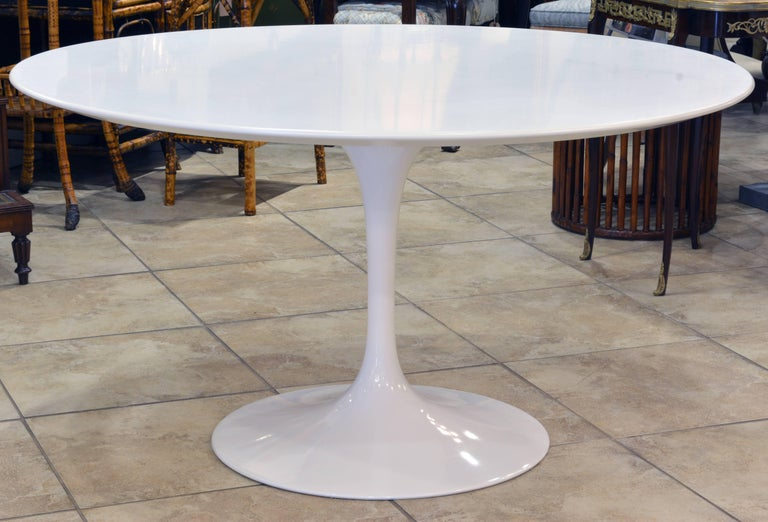 Iconic Knoll Tulip Table By Eero Saarinen All White Pristine - Knoll tulip table and chairs