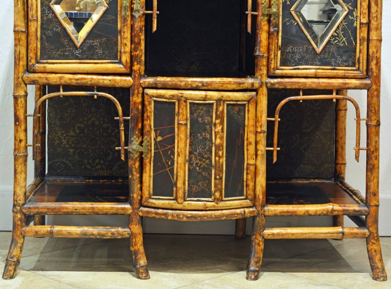 Superior 19th Century English Bamboo and Lacquer Etagere or Hall Tree Cabinet For Sale 1