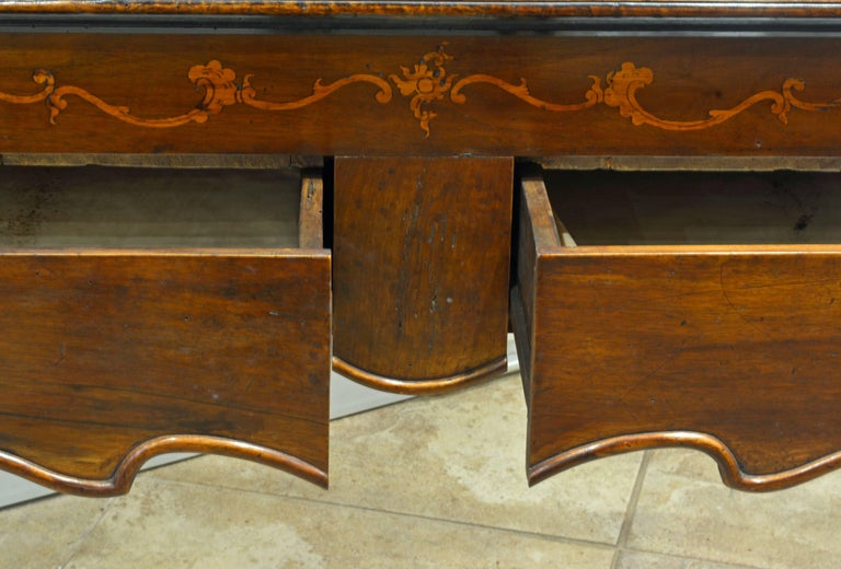 Charming 18th Century Italian Rococo Walnut and Fruitwood Inlaid Fall Front Desk For Sale 1