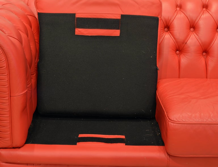Wonderful Italian Red Leather Chesterfield Sofa in the Style of Poltrona Frau For Sale 1
