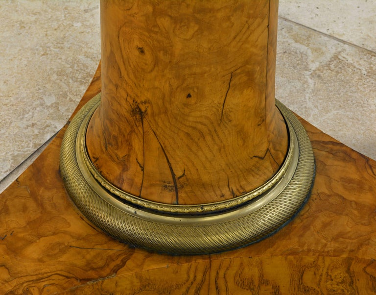Early 19th Century French Empire Marble Top and Burl Wood Round Centre Table For Sale 3