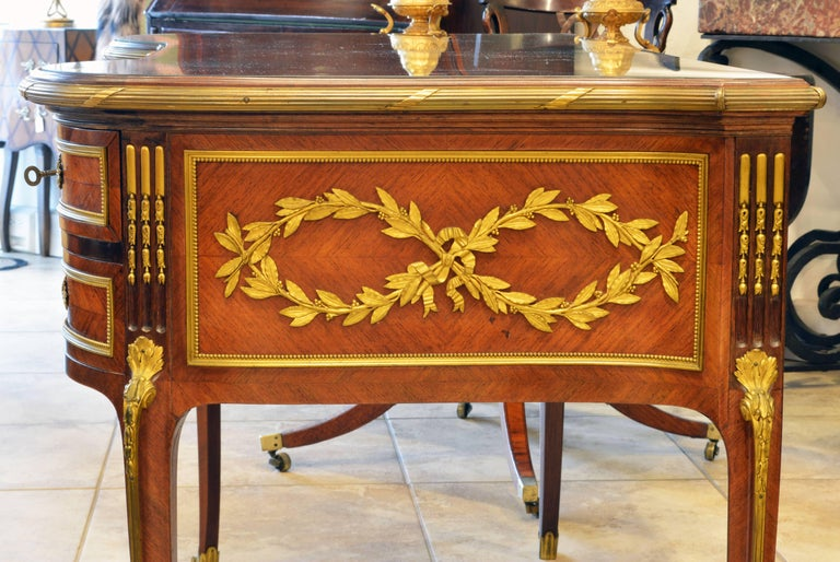 19th Century French Louis XV Bronze-Mounted Kingwood Parquetry Writing Desk In Good Condition For Sale In Ft. Lauderdale, FL
