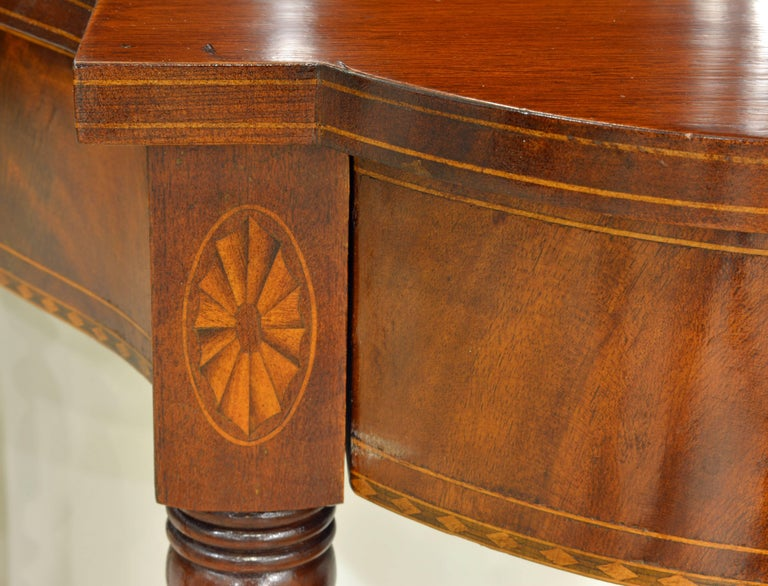 Pair of Early 20th Century American Sheraton Style Inlaid Mahogany Card Tables For Sale 1
