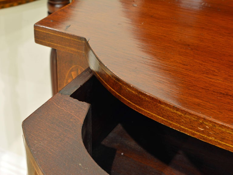 Pair of Early 20th Century American Sheraton Style Inlaid Mahogany Card Tables For Sale 4
