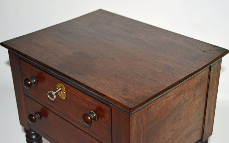 American, Pa. 19th Century Mahogany Miniature Two-Drawer Chest on Turned Legs For Sale 4