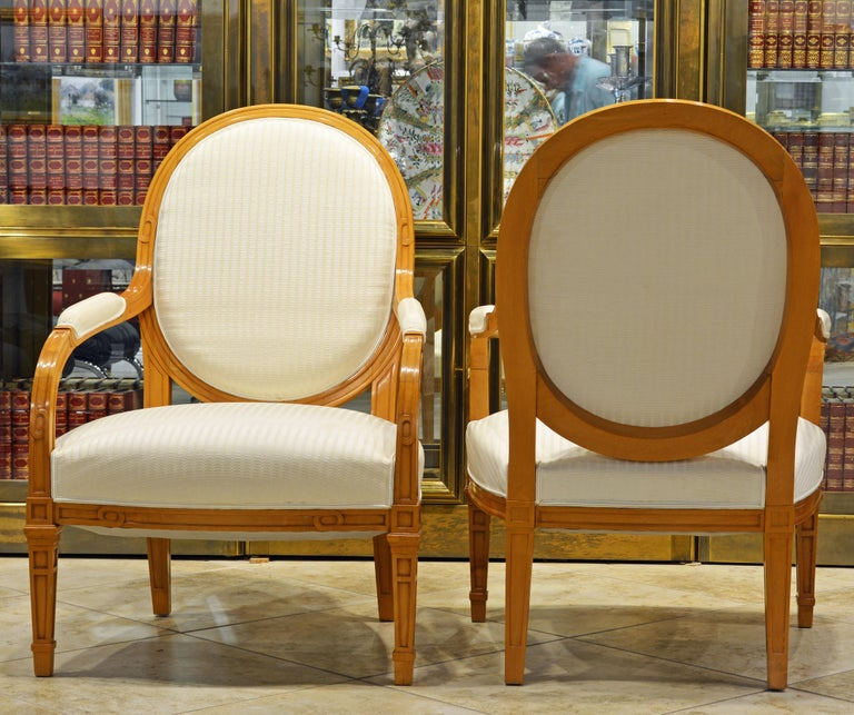 20th Century Pair of French Art Deco Era Oval Back Armchairs in the Manner of Andre Arbus For Sale