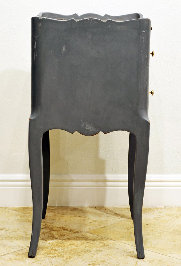 Antique French Provincial Gray Painted Marble-Top Commode In Good Condition For Sale In Ft. Lauderdale, FL