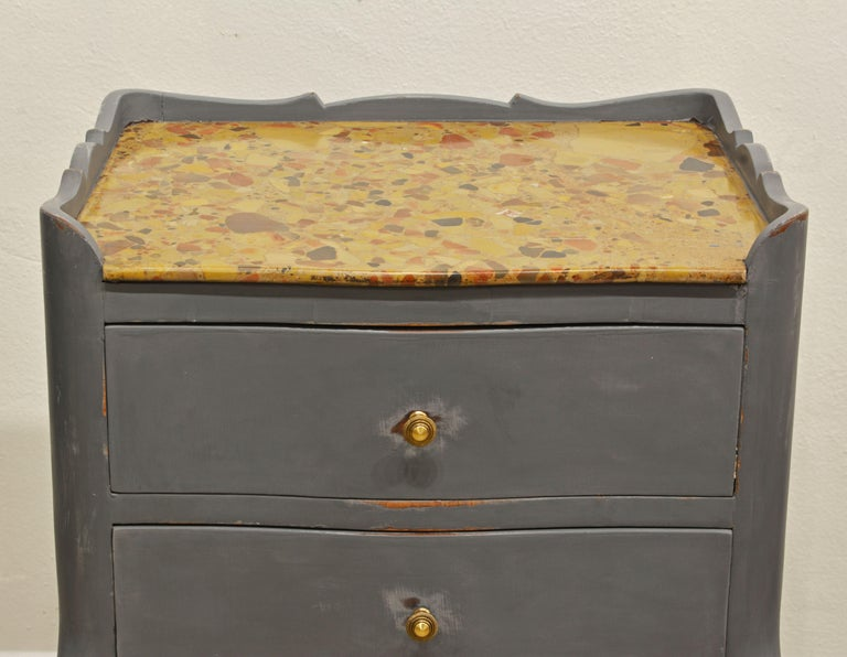 Antique French Provincial Gray Painted Marble-Top Commode For Sale 1