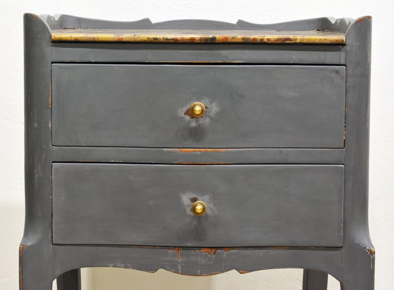 Antique French Provincial Gray Painted Marble-Top Commode For Sale 2