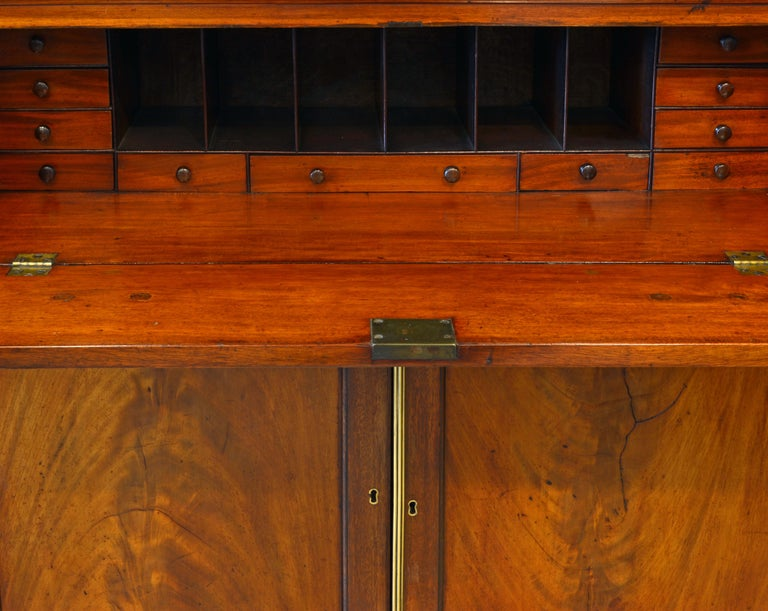Noble Early 19th Century George III Mahogany Breakfront Secretary Bookcase In Good Condition For Sale In Ft. Lauderdale, FL