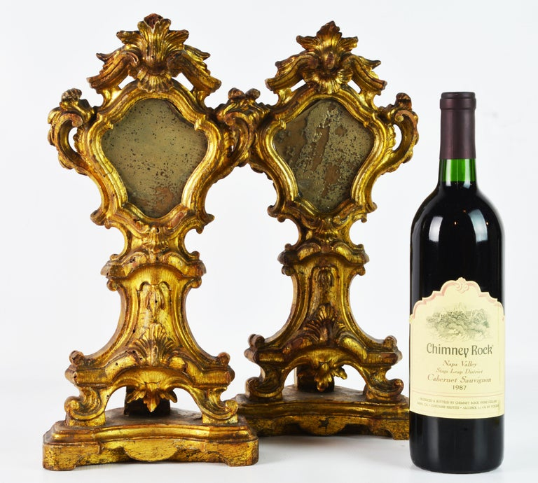 Pair of Mid-19th Century Italian Baroque Style Carved Giltwood Reliquaries In Good Condition For Sale In Ft. Lauderdale, FL