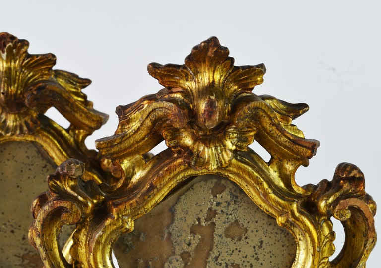 Pair of Mid-19th Century Italian Baroque Style Carved Giltwood Reliquaries For Sale 3