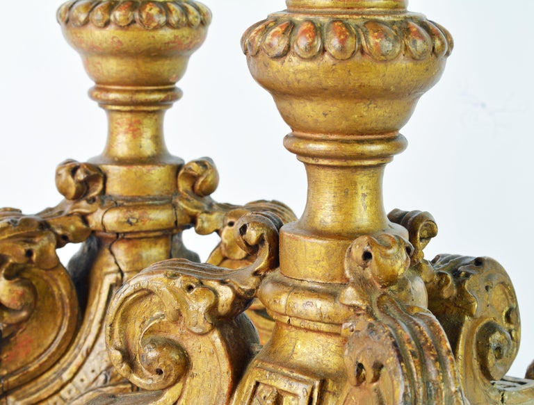 Pair of 18th Century Italian Baroque Carved Giltwood Altar Prickets For Sale 3