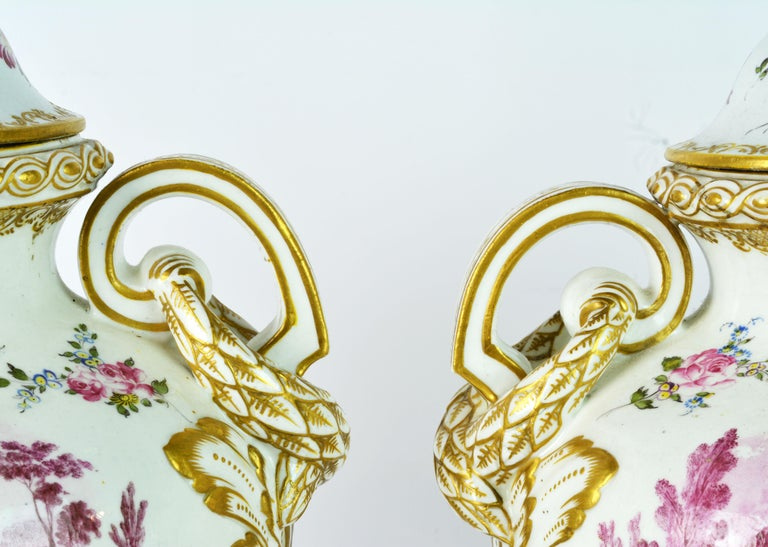 Bronze Pair of 19th Century French Old Paris Puce Camaieu Decorated Urns & Table Lamps For Sale
