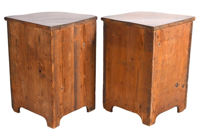 Pair of Early 19th Century Carved French Provincial Serpentine Corner Cabinets For Sale 2