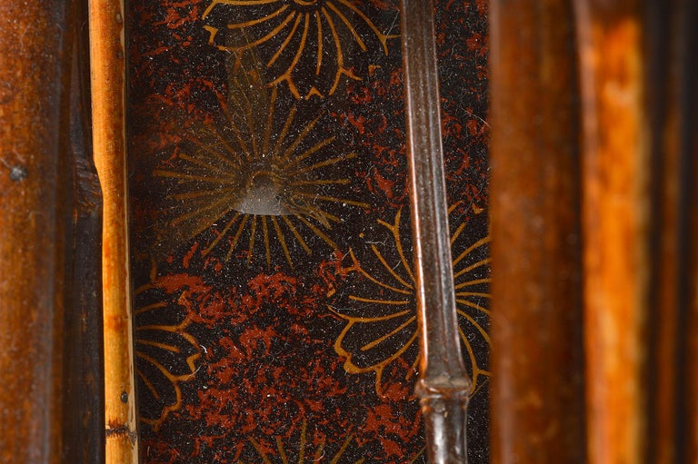 Good 19th Century English Bamboo and Japanned Lacquer Canterbury For Sale 3