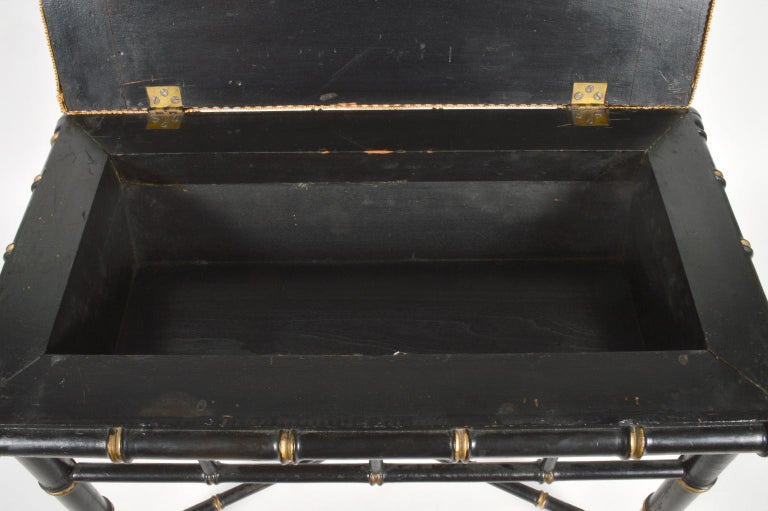 Regency Revival English Regency Style Faux Bamboo Paint and Parcel-Gilt Storage Bench For Sale