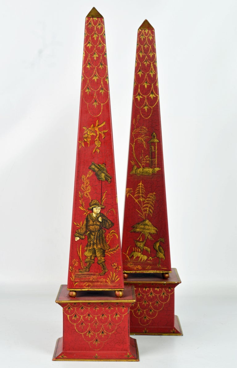 Gilt Pair of Tall Vintage Italian Chinoiserie Painted Tole Obelisk Models For Sale