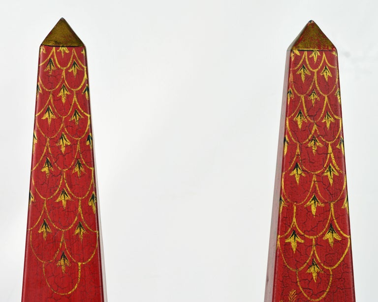 Pair of Tall Vintage Italian Chinoiserie Painted Tole Obelisk Models In Good Condition For Sale In Ft. Lauderdale, FL