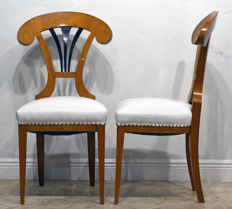 Biedermeier Pair of Austrian Fruitwood Side Chairs with Ebonized Fan-Shape Splats For Sale