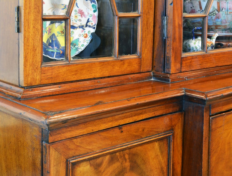 Noble Early 19th Century George III Mahogany Breakfront Secretary Bookcase For Sale 4