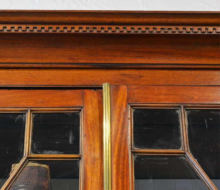 Noble Early 19th Century George III Mahogany Breakfront Secretary Bookcase For Sale 8