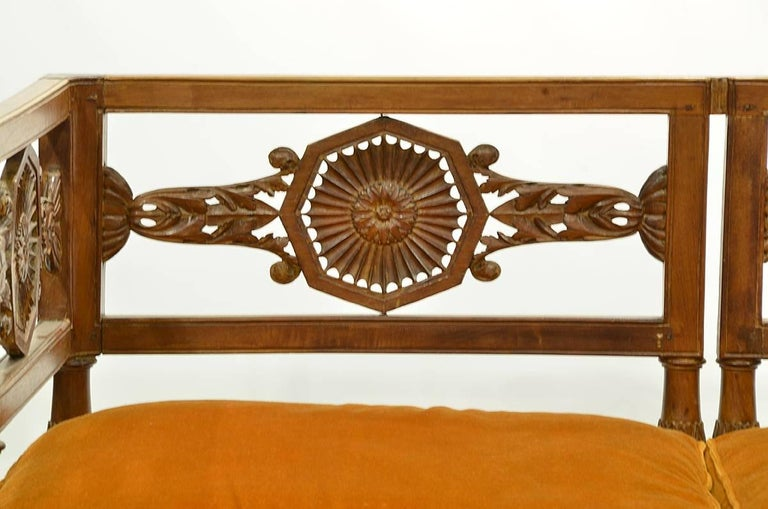 Early 19th Century Italian Neoclassical Carved Walnut and Fruit Wood Settee 3