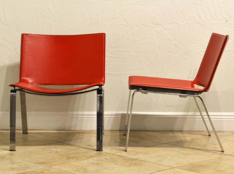 Mid-Century Modern Pair of Italian Cattelan Lounge Chairs with Floating Seats on Chrome Legs For Sale