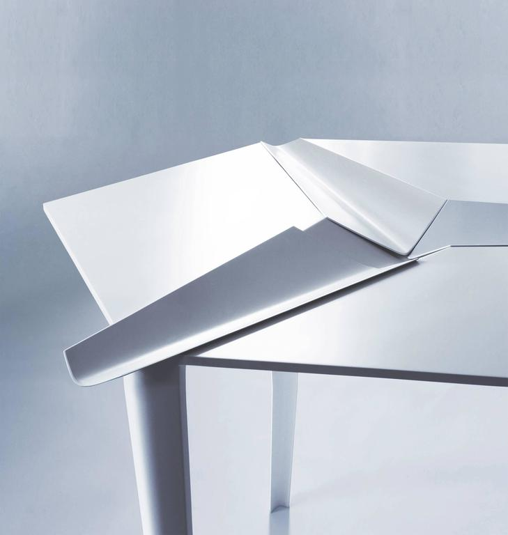 Crystallized Three-Legged Aluminium Dining Table with Removable Serving Trays 2
