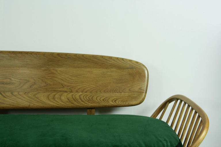 Vintage Ercol 355 Studio Couch Sofa Or Daybed With Green Velvet Upholstery