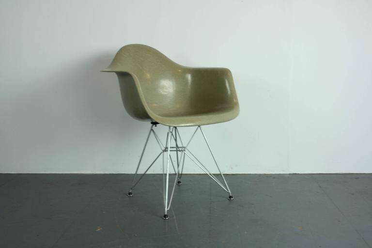 Early Production Vintage Eames Herman Miller Armchair in Greige on ...