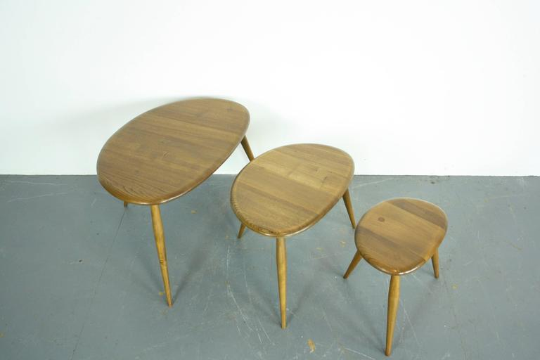 "Vintage 1960s Ercol Nest of Blonde ""Pebble"" Coffee Tables 3"