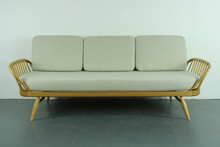 Vintage Midcentury British Ercol 355 Studio Couch Or Sofa Bed At 1stdibs