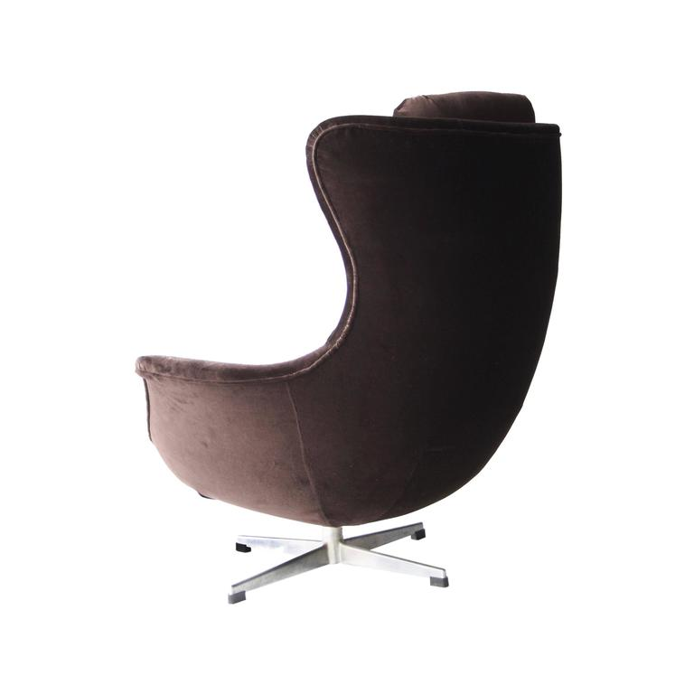 Armchair with High Back 5