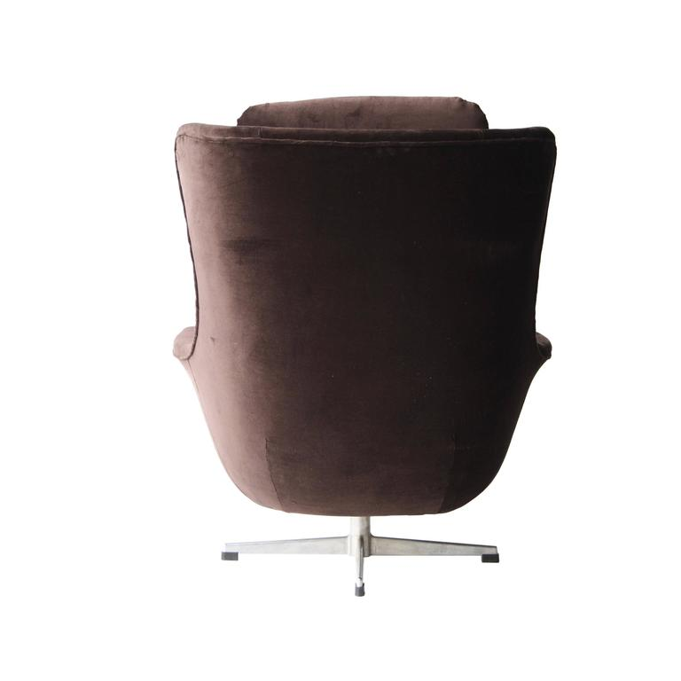Armchair with High Back 3