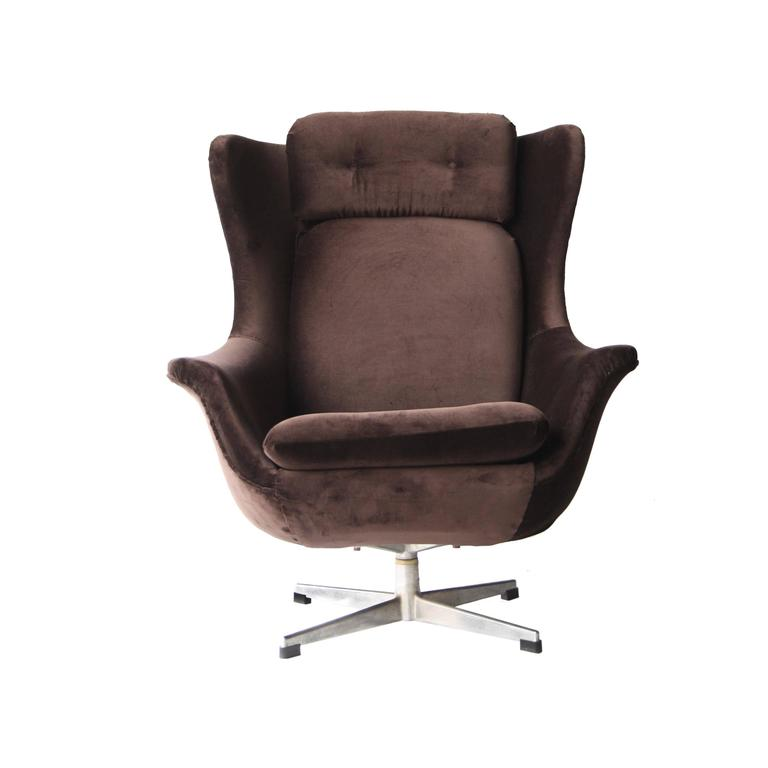 Armchair with High Back In Excellent Condition For Sale In Madrid, ES