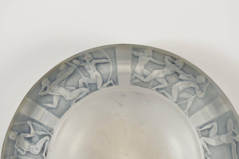 "René Lalique Cendrier ""Archers"" Ashtray In Good Condition For Sale In Saint-Ouen, FR"