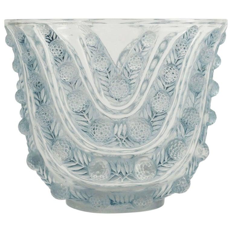 """René Lalique Vase """"Vichy"""""""