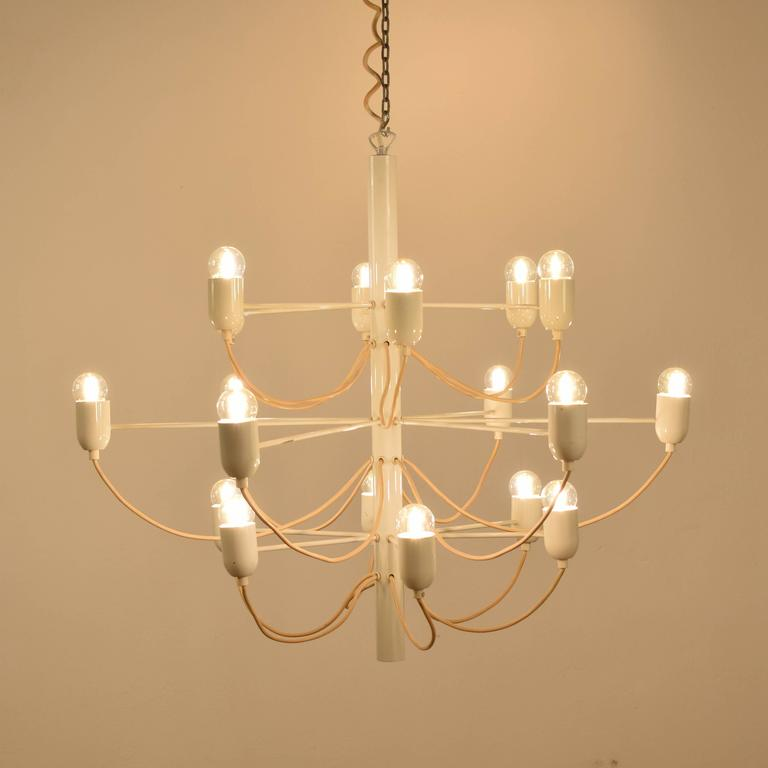Italian Chandelier in the Stil of Gino Sarfatti For Sale