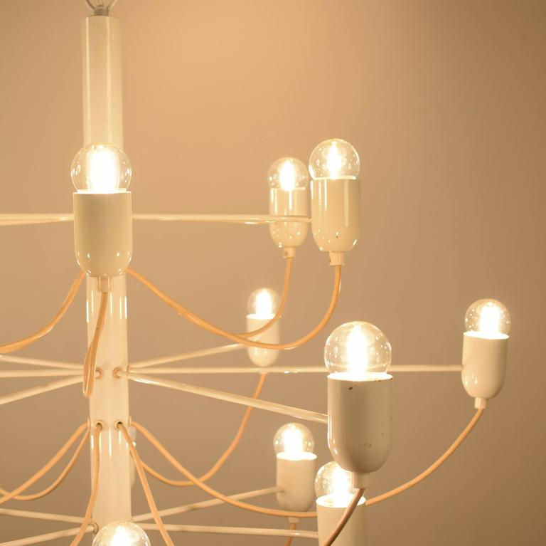 Lacquered Chandelier in the Stil of Gino Sarfatti For Sale