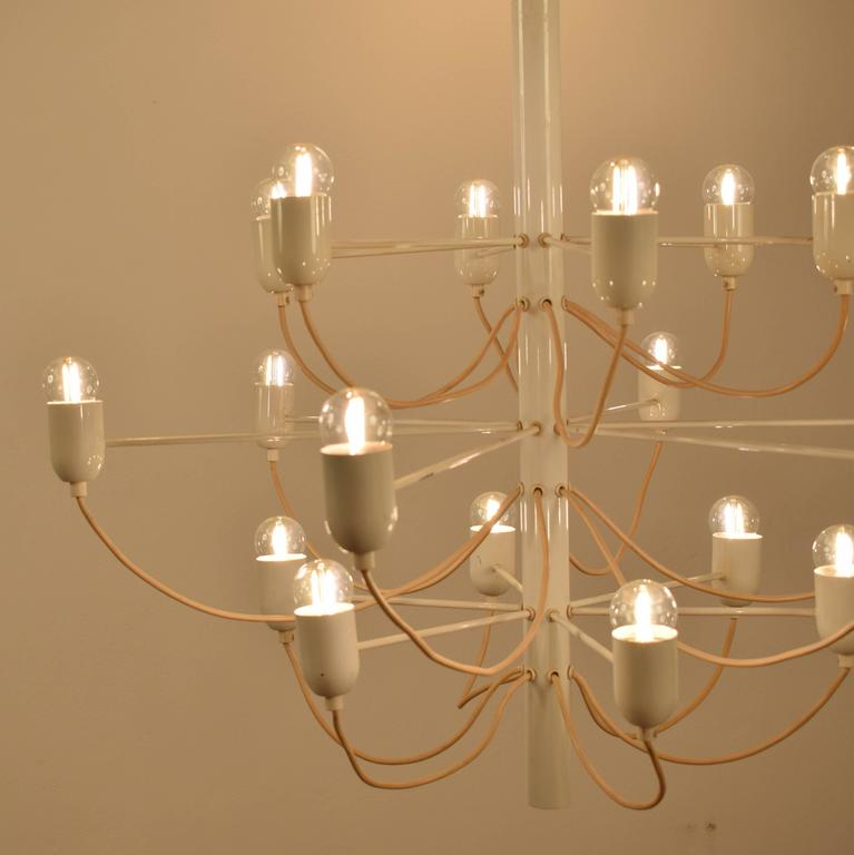 Chandelier in the Stil of Gino Sarfatti In Good Condition For Sale In Berlin, DE