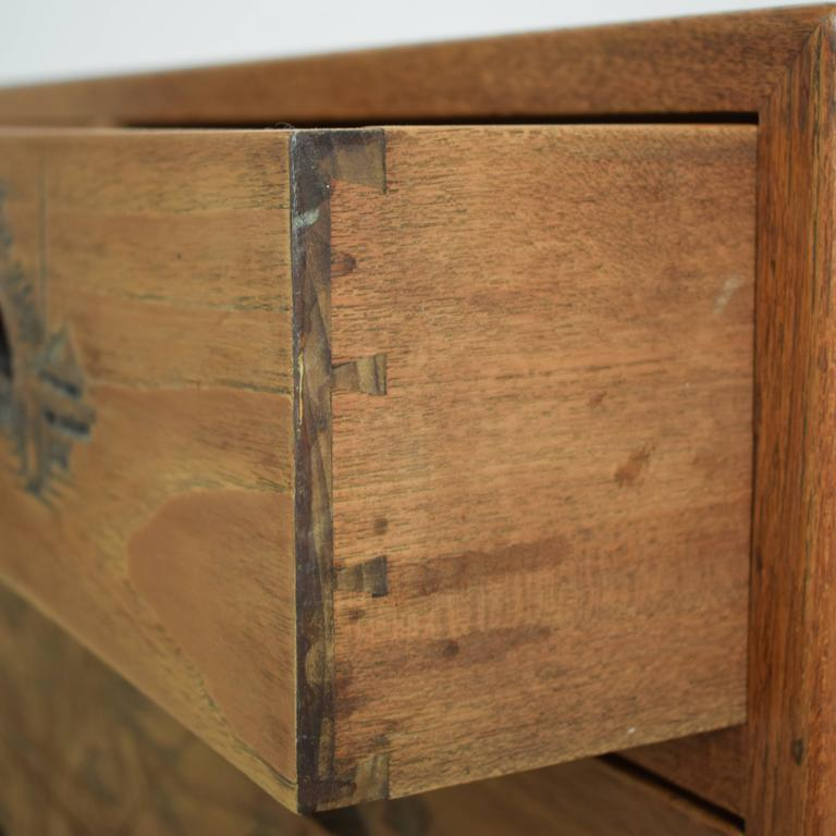 Carved Colonial Chest of Drawers from the 1910s In Excellent Condition For Sale In Berlin, DE