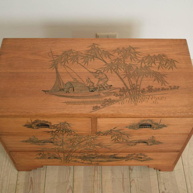 Carved Colonial Chest of Drawers from the 1910s For Sale 3