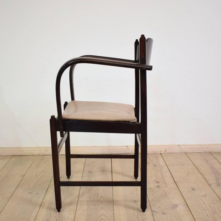 Early 20th Italian Art Deco Armchair In Excellent Condition For Sale In Berlin, DE