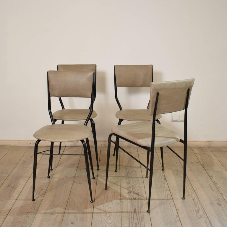 Midcentury Italian Metal and Leather Dining Chairs, Set of Four In Good Condition For Sale In Berlin, DE